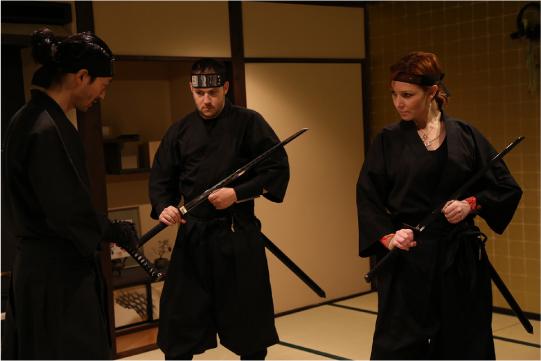 忍者修行を体験する外国人2